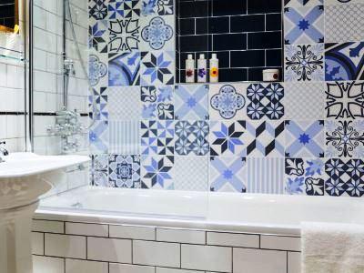 bathroom - hotel indigo stratford upon avon - stratford-upon-avon, united kingdom