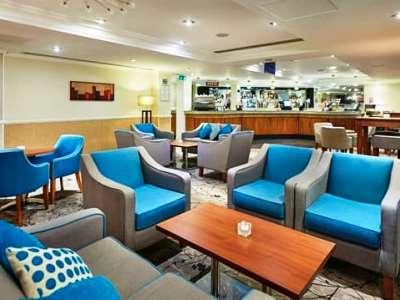 lobby 1 - hotel hilton watford - watford, united kingdom