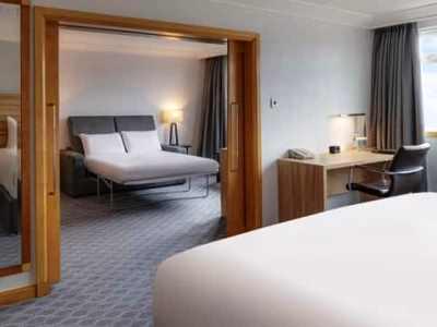 bedroom - hotel hilton watford - watford, united kingdom