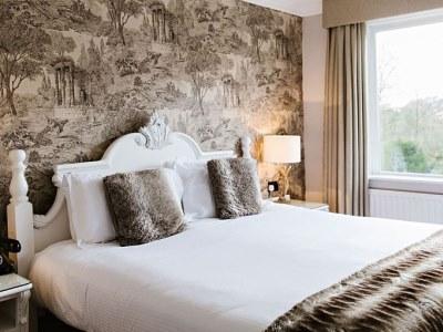 bedroom - hotel wild boar - windermere, united kingdom