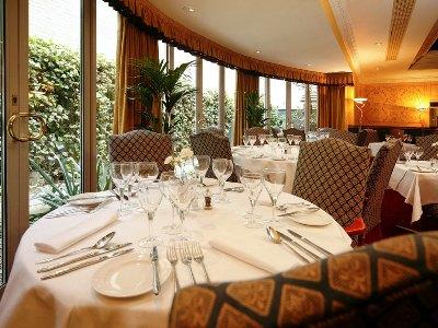 restaurant - hotel mercure york fairfield manor - york, united kingdom