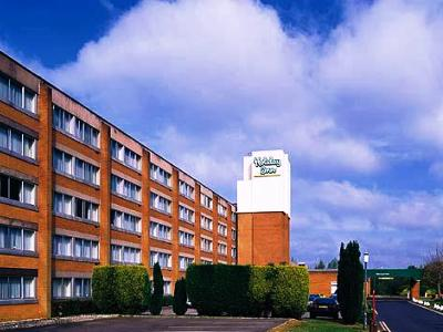 Holiday Inn Gatwick Airport (I)
