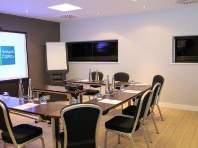conference room - hotel holiday inn exp london - heathrow t5 - heathrow airport, united kingdom