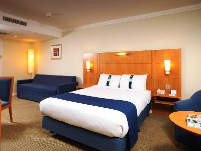 bedroom 1 - hotel holiday inn london-heathrow m4 jct 4 - heathrow airport, united kingdom