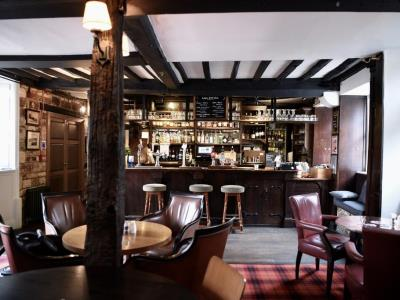 bar - hotel noel arms - chipping campden, united kingdom
