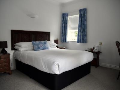 bedroom 1 - hotel noel arms - chipping campden, united kingdom