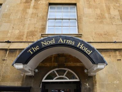exterior view - hotel noel arms - chipping campden, united kingdom