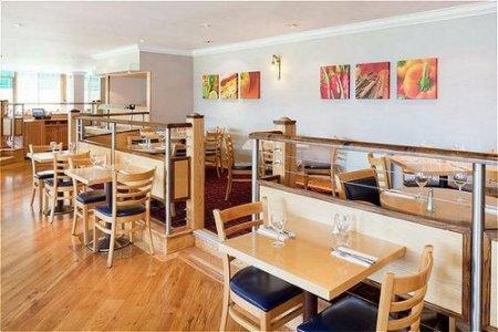 restaurant - hotel holiday inn stoke on trent m6 j15 - newcastle u lyme, united kingdom