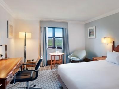 bedroom - hotel hilton puckrup hall - tewkesbury, united kingdom