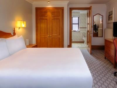 bedroom 2 - hotel hilton puckrup hall - tewkesbury, united kingdom