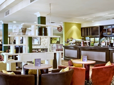 bar - hotel doubletree by hilton strathclyde - motherwell, united kingdom