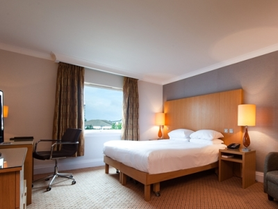 bedroom 1 - hotel doubletree by hilton strathclyde - motherwell, united kingdom