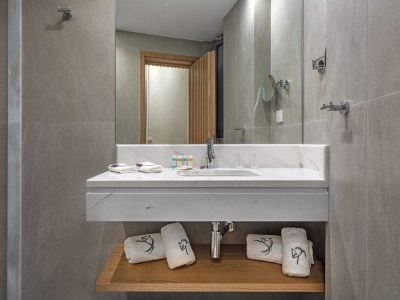 bathroom - hotel glyfada riviera - athens, greece