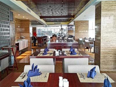 restaurant - hotel swiss-belhotel serpong - tangerang, indonesia