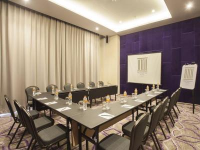 conference room - hotel swiss-belinn cikarang - cikarang, indonesia