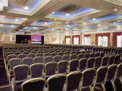 conference room - hotel red cow moran - dublin, ireland