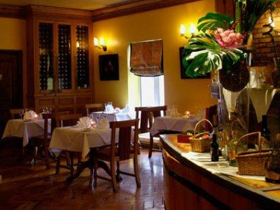breakfast room - hotel red cow moran - dublin, ireland