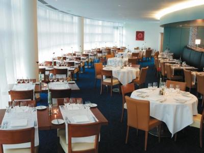restaurant - hotel clayton liffey valley - dublin, ireland