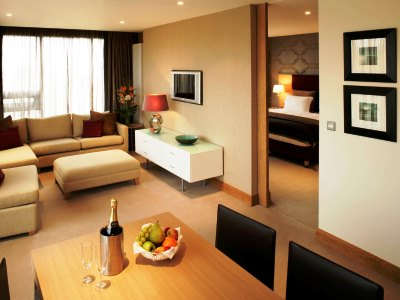 suite 2 - hotel clayton liffey valley - dublin, ireland
