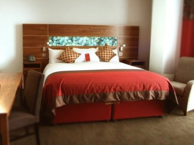 standard bedroom - hotel crowne plaza dundalk - dundalk, ireland