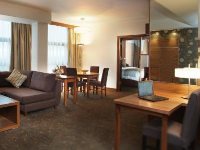suite 1 - hotel crowne plaza dundalk - dundalk, ireland