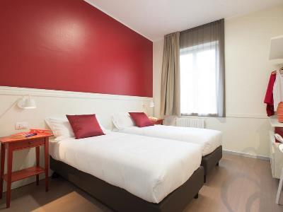 bedroom 3 - hotel b and b hotel milano ornato - milan, italy