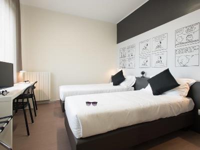 bedroom 4 - hotel b and b hotel milano ornato - milan, italy
