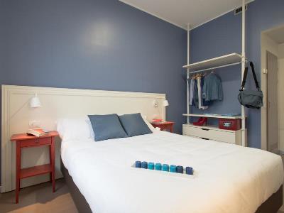 bedroom 1 - hotel b and b hotel milano ornato - milan, italy