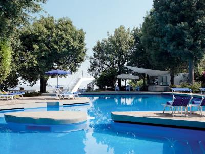outdoor pool - hotel parco dei principi - sorrento, italy