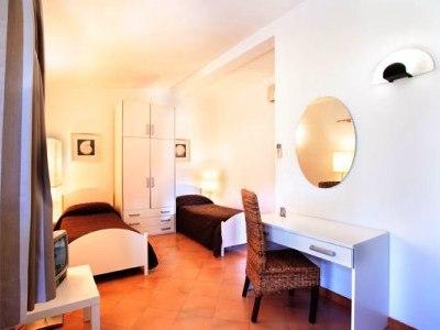 bedroom 1 - hotel esperidi resort - sorrento, italy