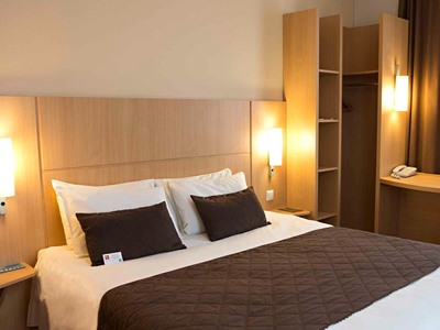 bedroom - hotel ibis kaunas centre - kaunas, lithuania