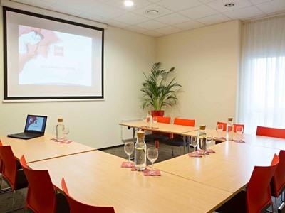 conference room - hotel ibis kaunas centre - kaunas, lithuania