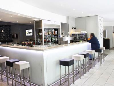 bar - hotel novotel kirchberg - luxembourg, luxembourg