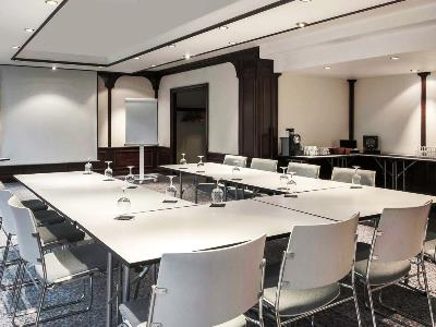 conference room - hotel novotel kirchberg - luxembourg, luxembourg