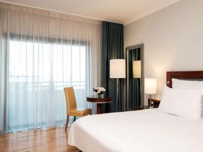 bedroom - hotel radisson blu resort - st julians, malta