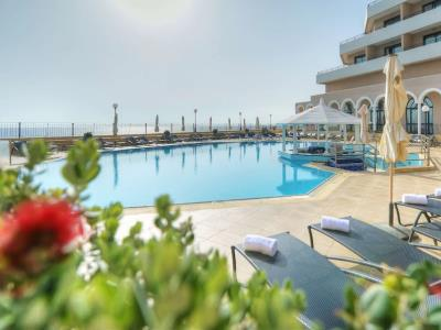 outdoor pool - hotel radisson blu resort - st julians, malta