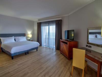 suite 1 - hotel radisson blu resort - st julians, malta