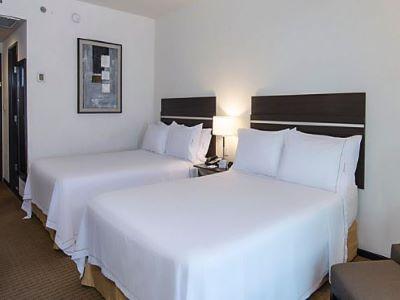 bedroom 1 - hotel holiday inn express guaymas - guaymas, mexico