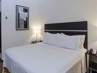 bedroom 2 - hotel holiday inn express guaymas - guaymas, mexico