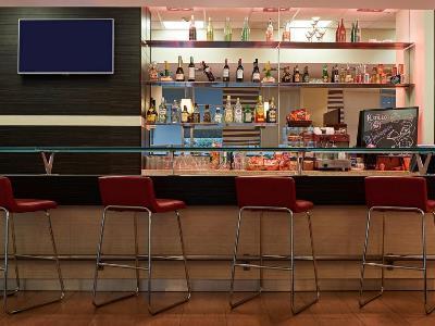 bar - hotel ibis merida - merida, mexico
