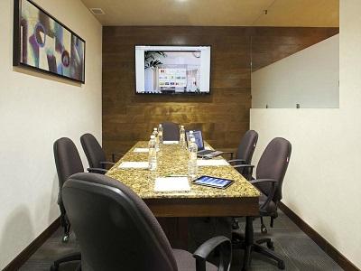 conference room - hotel holiday inn orizaba - orizaba, mexico