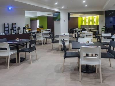 breakfast room 1 - hotel holiday inn express mexico aeropuerto - mexico city, mexico