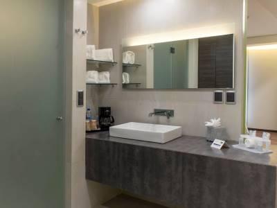 bathroom - hotel holiday inn express mexico aeropuerto - mexico city, mexico
