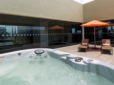 outdoor pool - hotel holiday inn express mexico aeropuerto - mexico city, mexico
