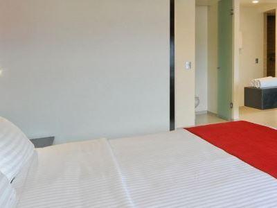 bedroom - hotel holiday inn mexico dali airport - mexico city, mexico