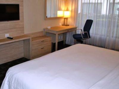 bedroom 1 - hotel holiday inn express toluca - toluca, mexico