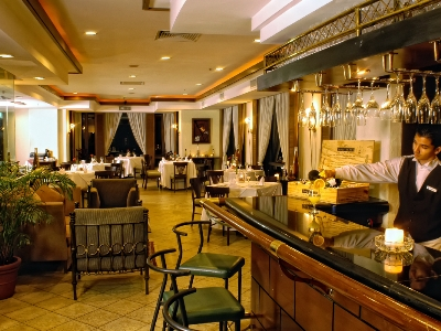 bar - hotel pacific sutera - kota kinabalu, malaysia