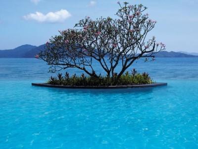 outdoor pool - hotel shangri-la's tanjung aru - kota kinabalu, malaysia