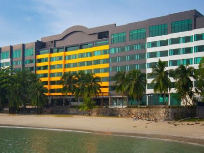 Four Points By Sheraton (Dlx Oceanfront)