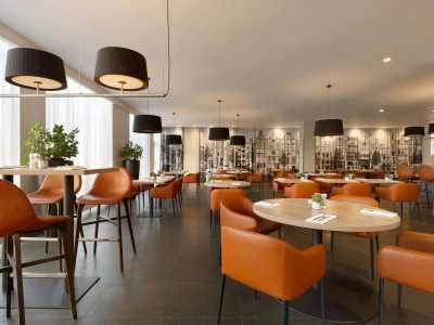 restaurant - hotel ramada amsterdam airport - amsterdam, netherlands